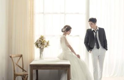 山东青岛婚纱摄影排名哪家好拍前十名婚纱照多少钱图片