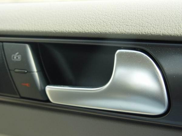 车内这些角落最易忽视 不知藏了多少细菌