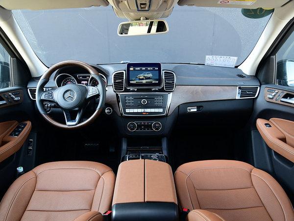 奔驰(进口)  GLS 400 大中控全景