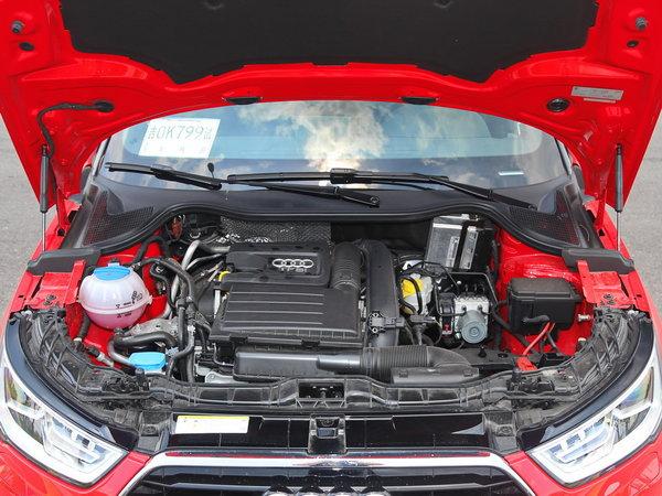 奥迪(进口)  30TFSI 车辆发动机舱整体
