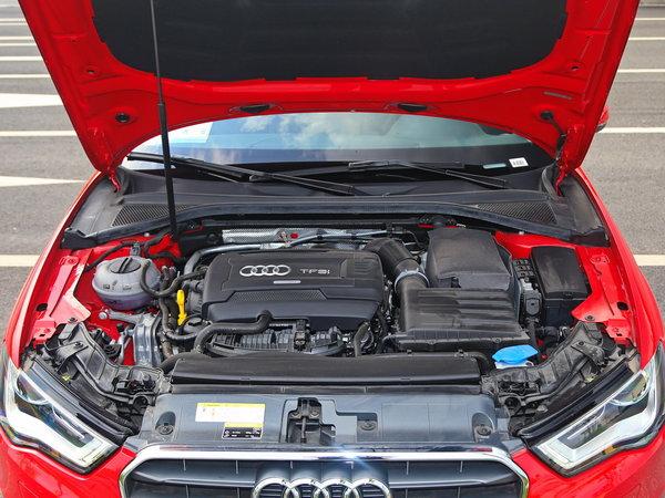 一汽奥迪  Sportback 40 TFSI 车辆发动机舱整体