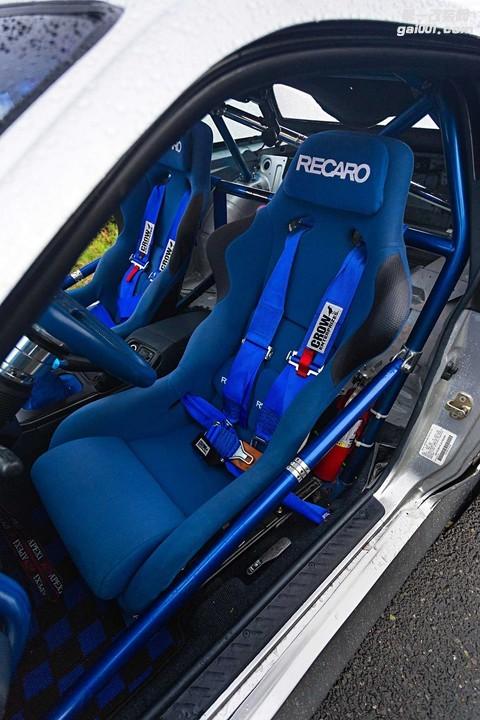 1989-nissan-240sx-recaro-spg-blue-seat.jpg