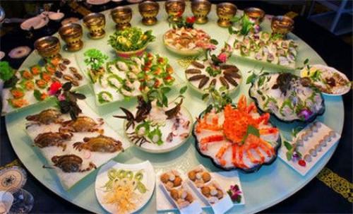 金诚集团员工:赋予最大的海鲜美食主题街无限可能
