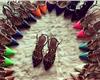 华伦天奴的钮钉鞋,就是要一个颜色来一双才好搭配裙子呀
