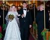 她在雅虎比在Google更拼了,接手雅虎的同一天她宣布怀孕,插播一句,她老公是房地产投资经理扎克·布格,两人在她还在Google的时候就结婚了