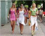 乌克兰街头美女成灾