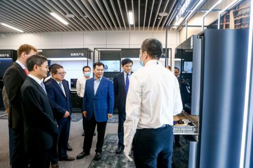 张近东参观博西新研发中心,双方将加强C2M和零售渠道合作