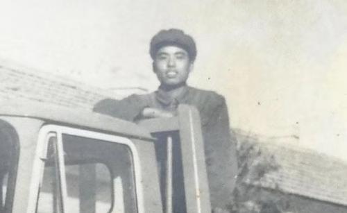 1969年18岁的陈德康和一批来自浙江各县市的知识青年,响应党的号召入蒙,开启了他们近10年的知青戎边身涯。